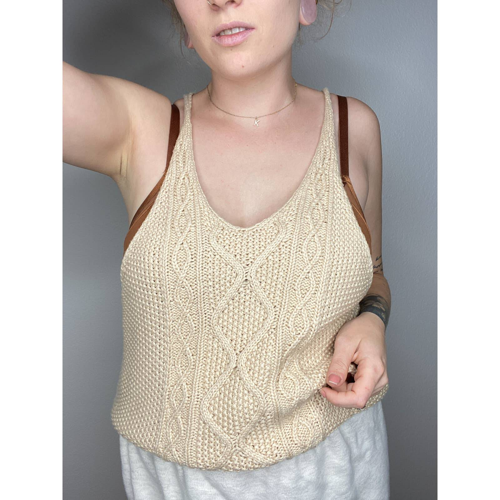 Olivaceous tan cable knit tank top   M