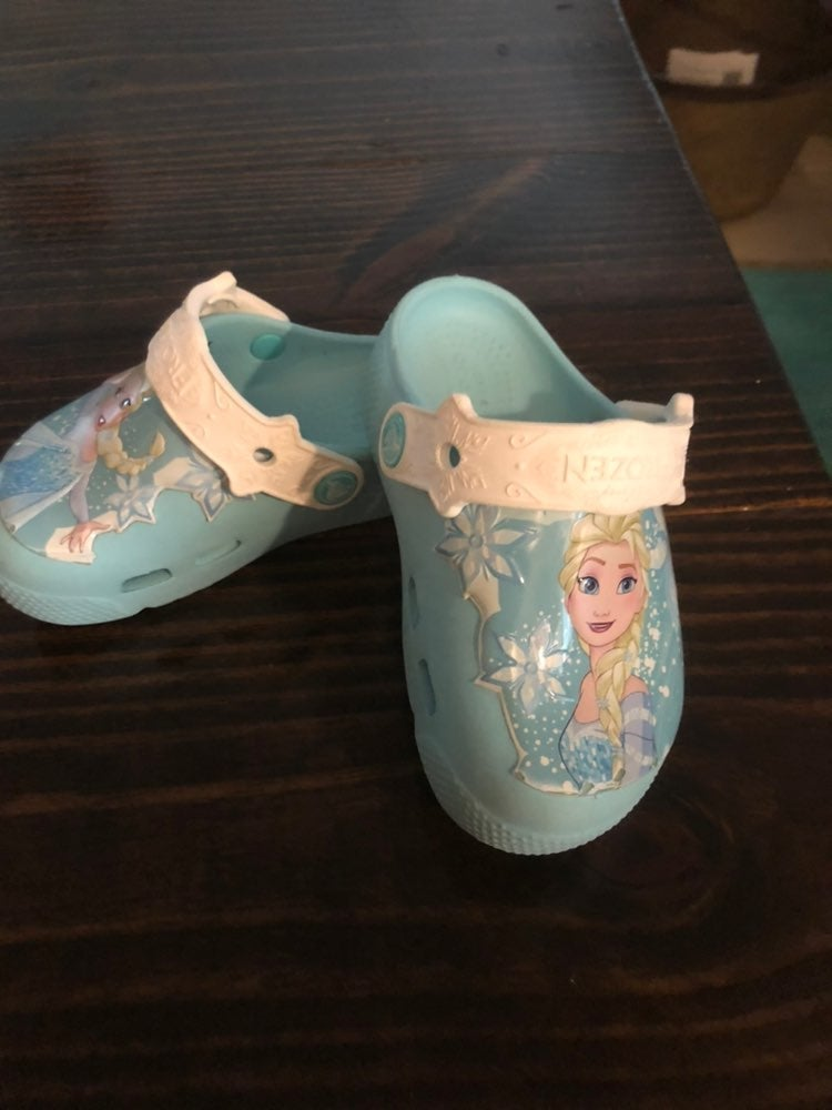 Disney Frozen Light up Crocs