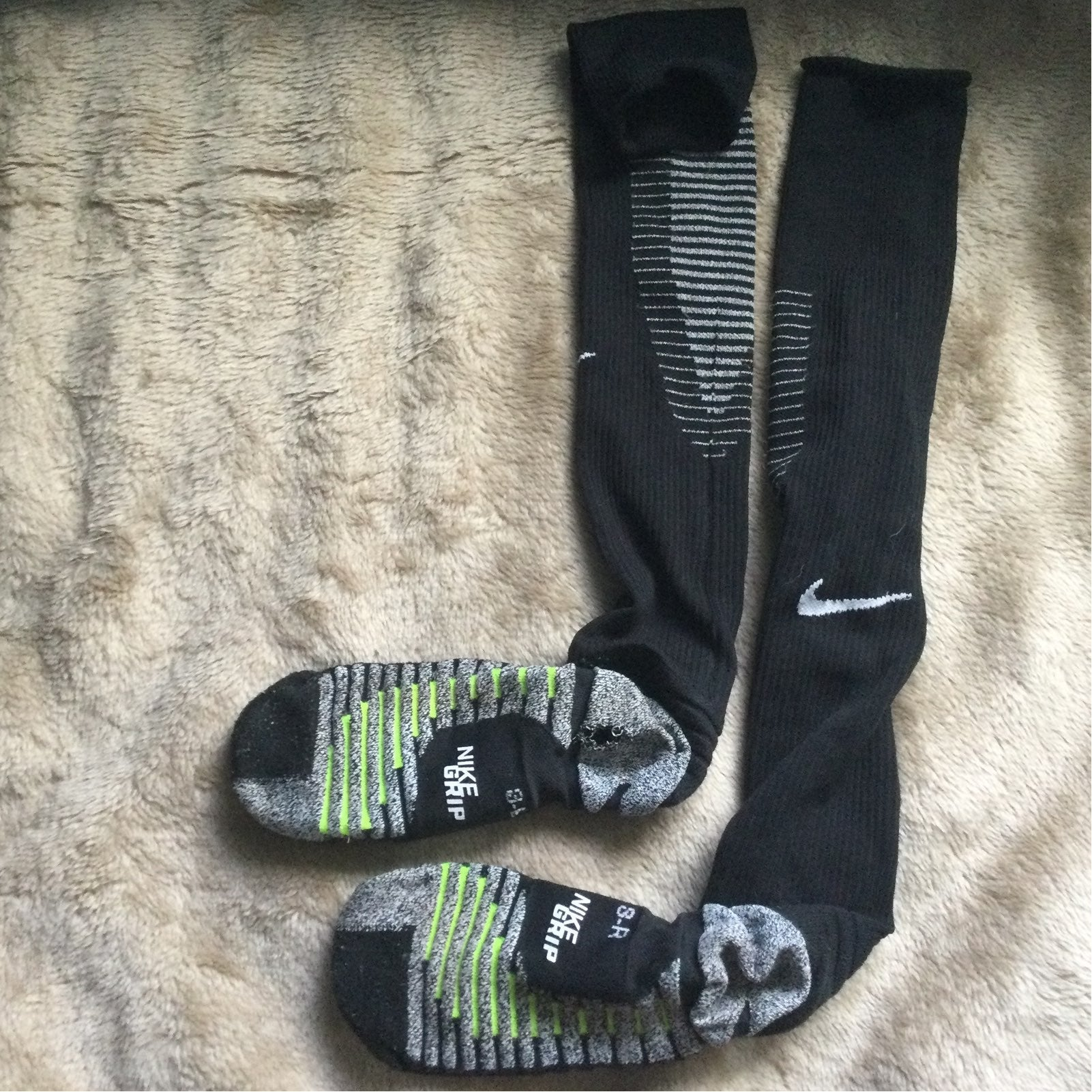 NIKE HIGH SCHOOL MEN SOCCER GRIP SOCKS