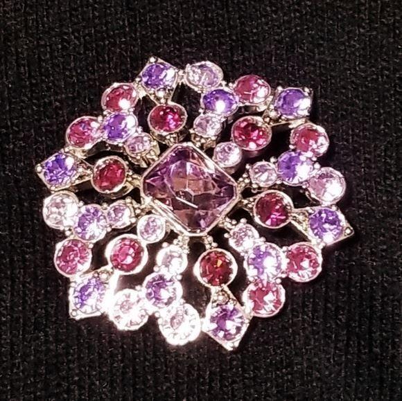 Vintage Liz Claiborne starburst brooch