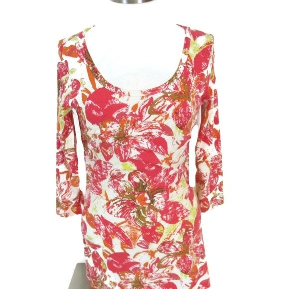 CAbi #886 Splash Floral Soft Ruched Top