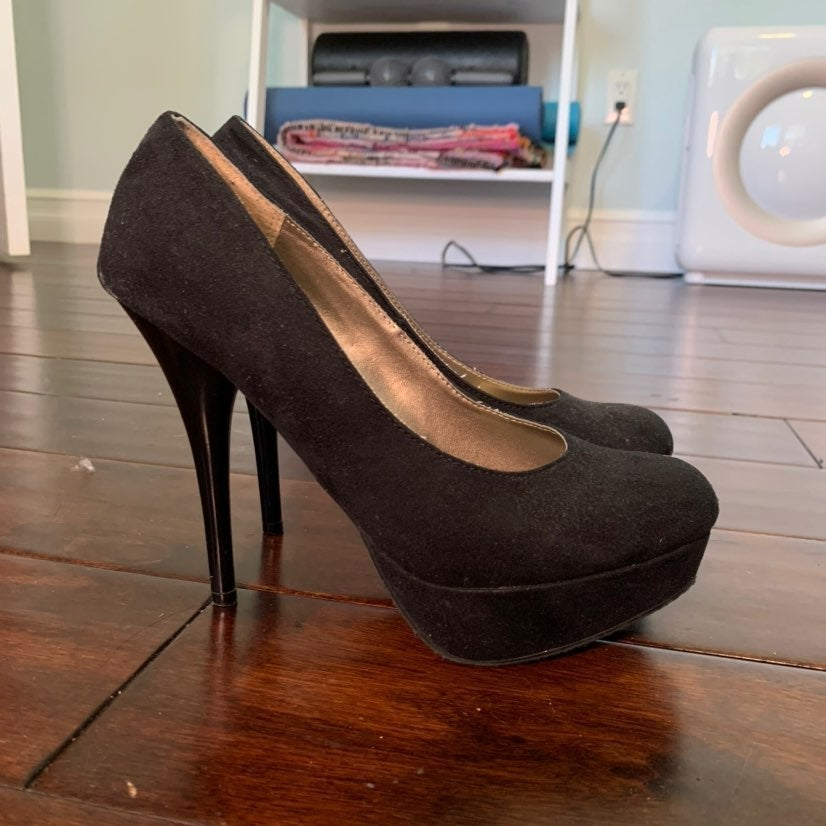 Mossimo Supply Co. black suede heels siz