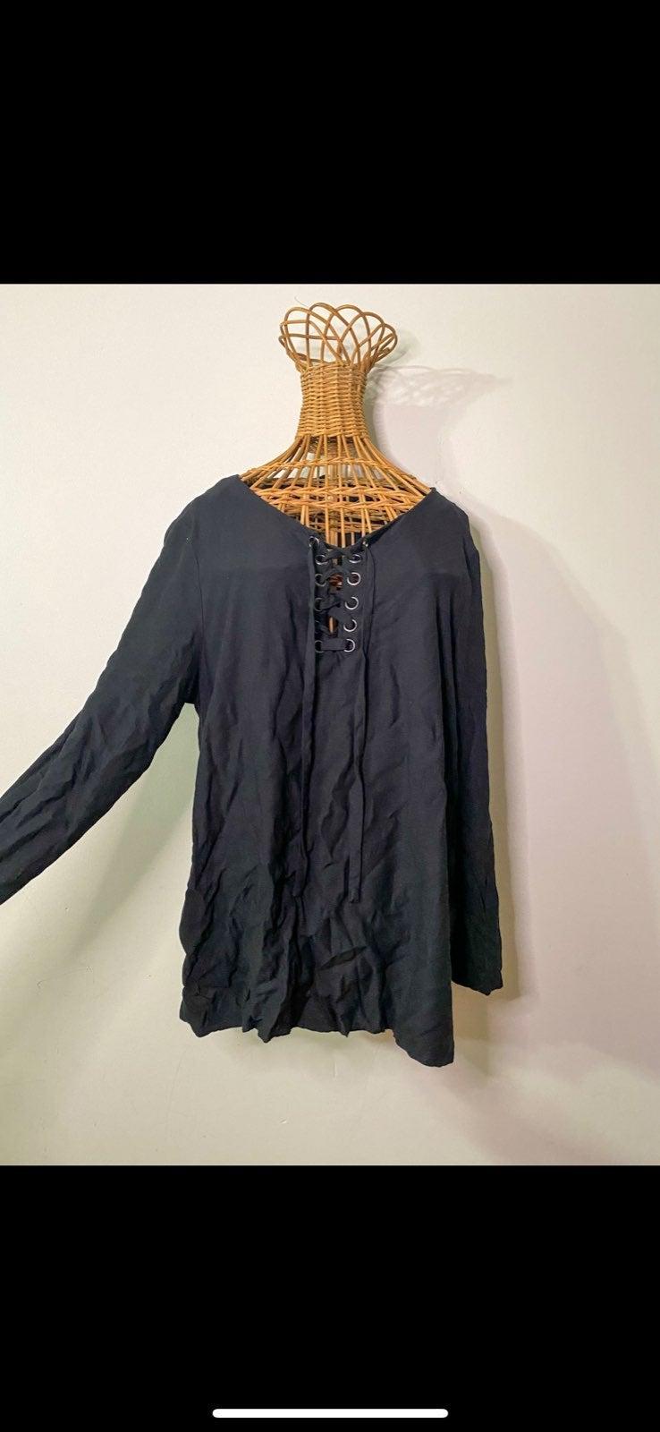 Kenzie black blouse