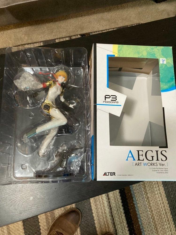 Persona 3: Art Works - Aegis figurine