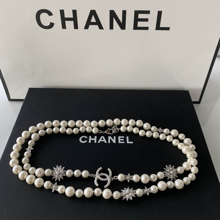 Sunflower pure white pearl necklace