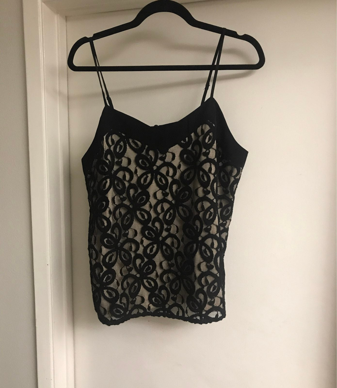 NWOT~Black & Nude Lace Lined Cami Top L