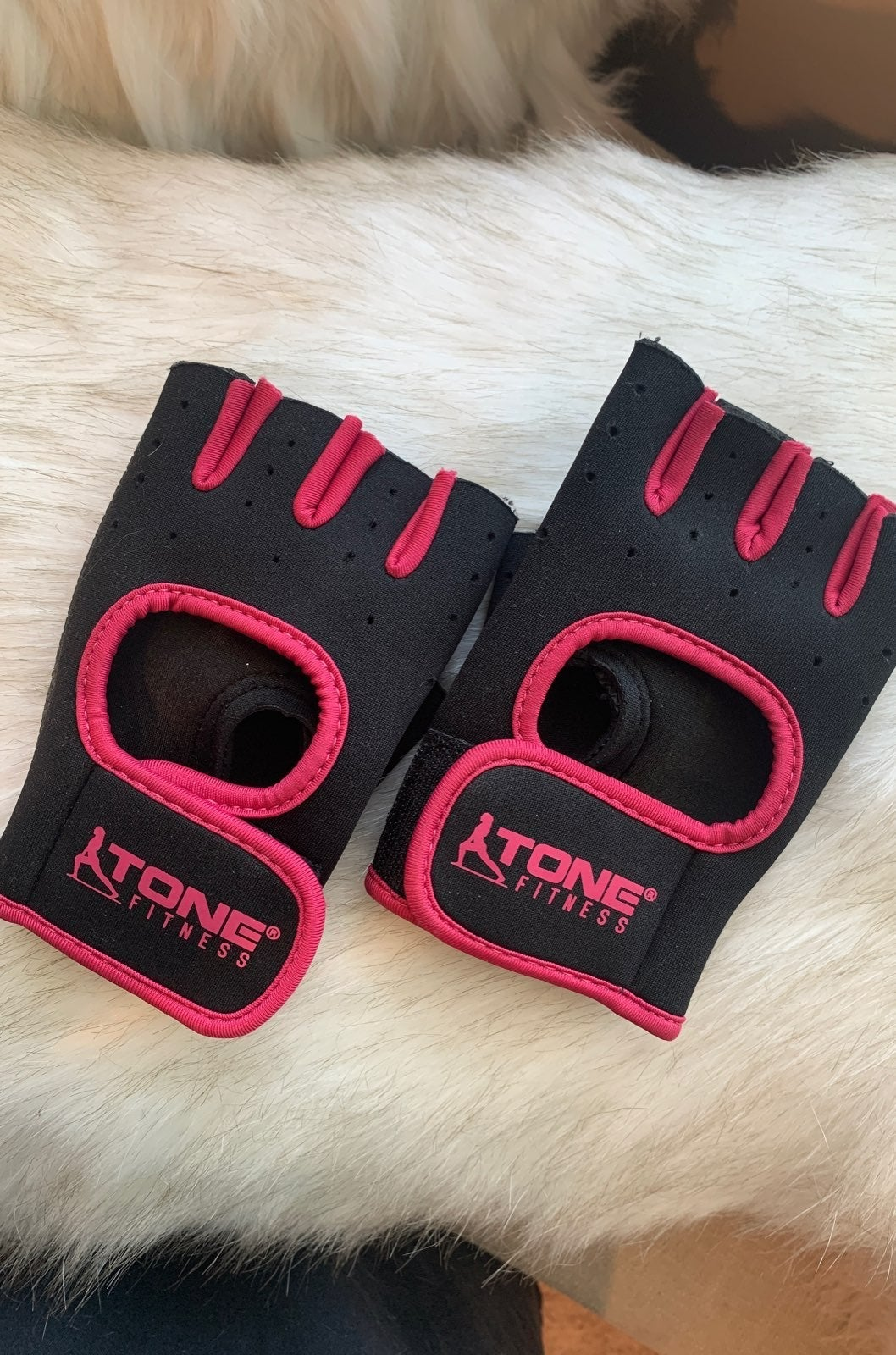 Tone Fitness pink workout gym gloves