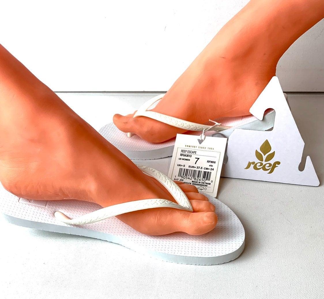 Reef Escape Women's Lux Flip Flop Size 7