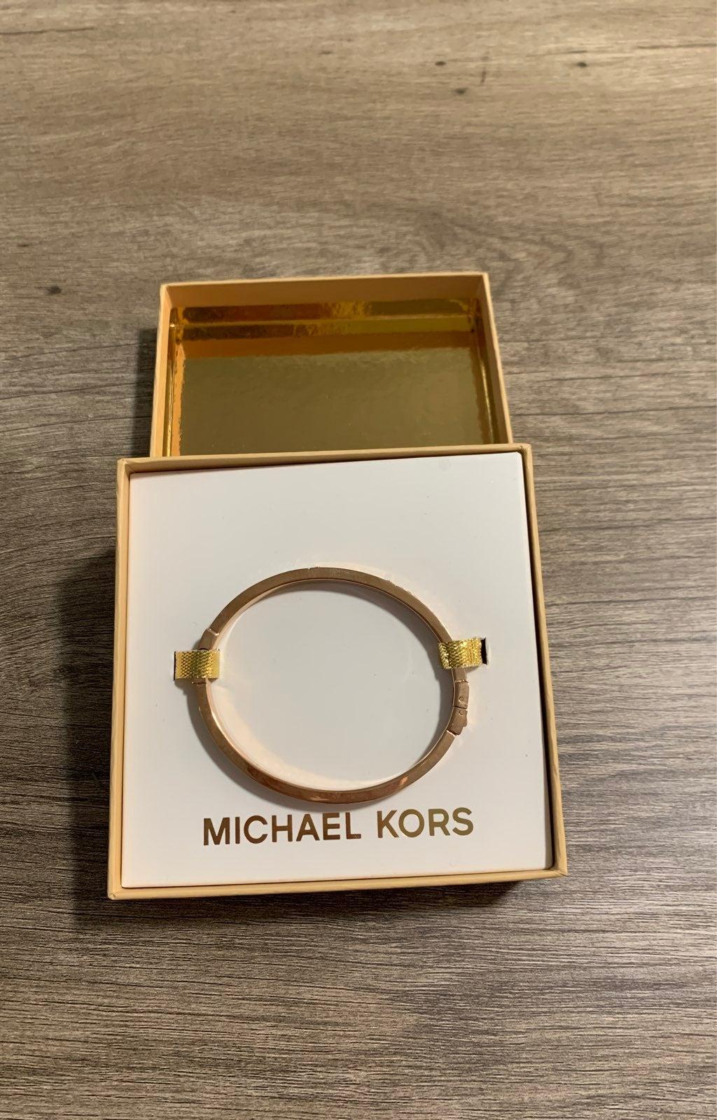 *BRAND NEW* Michael Kors bracelet
