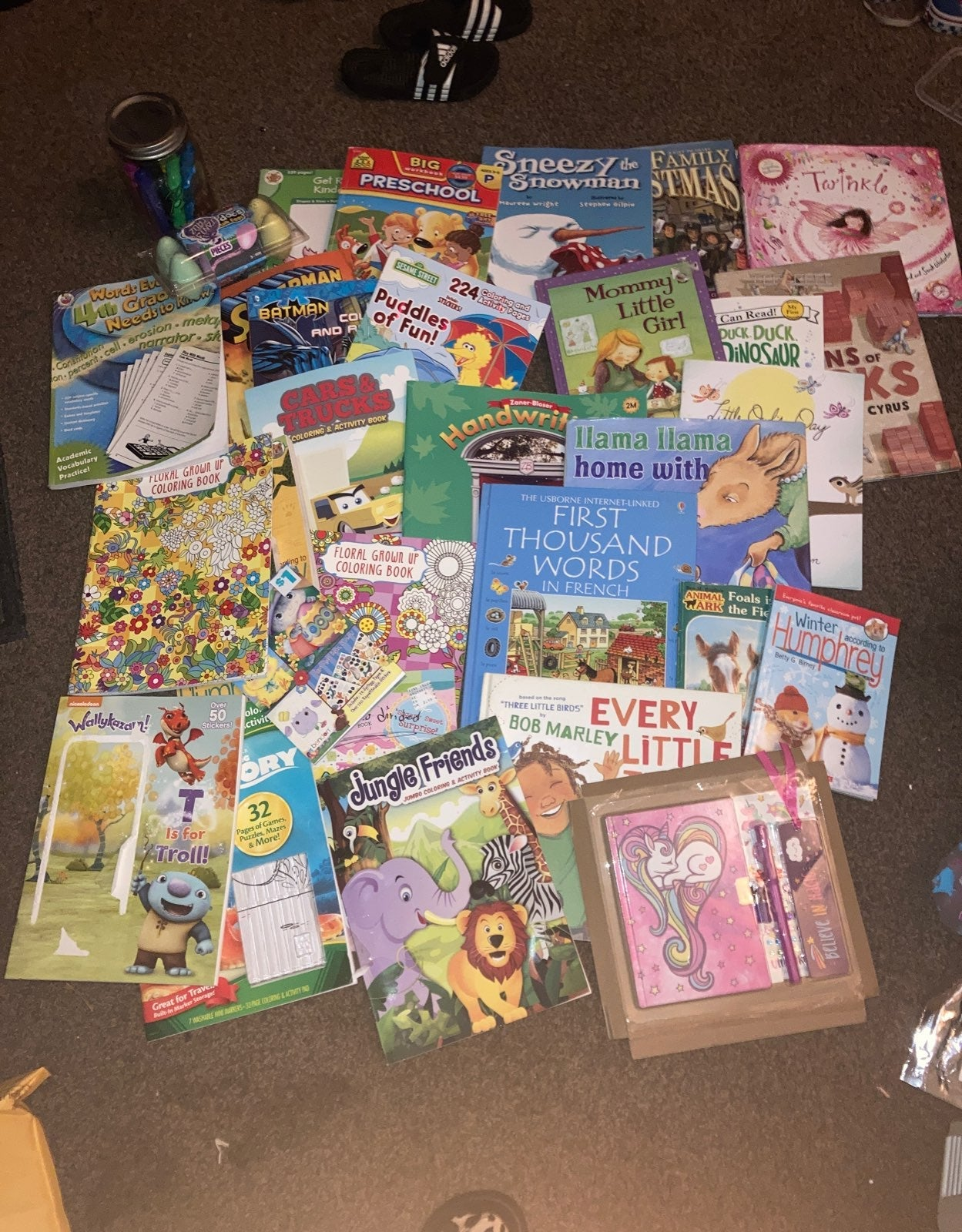 Huge lot childrens coloring books and re