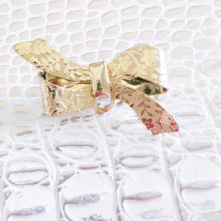 Gold Bow Vintage Small Brooch