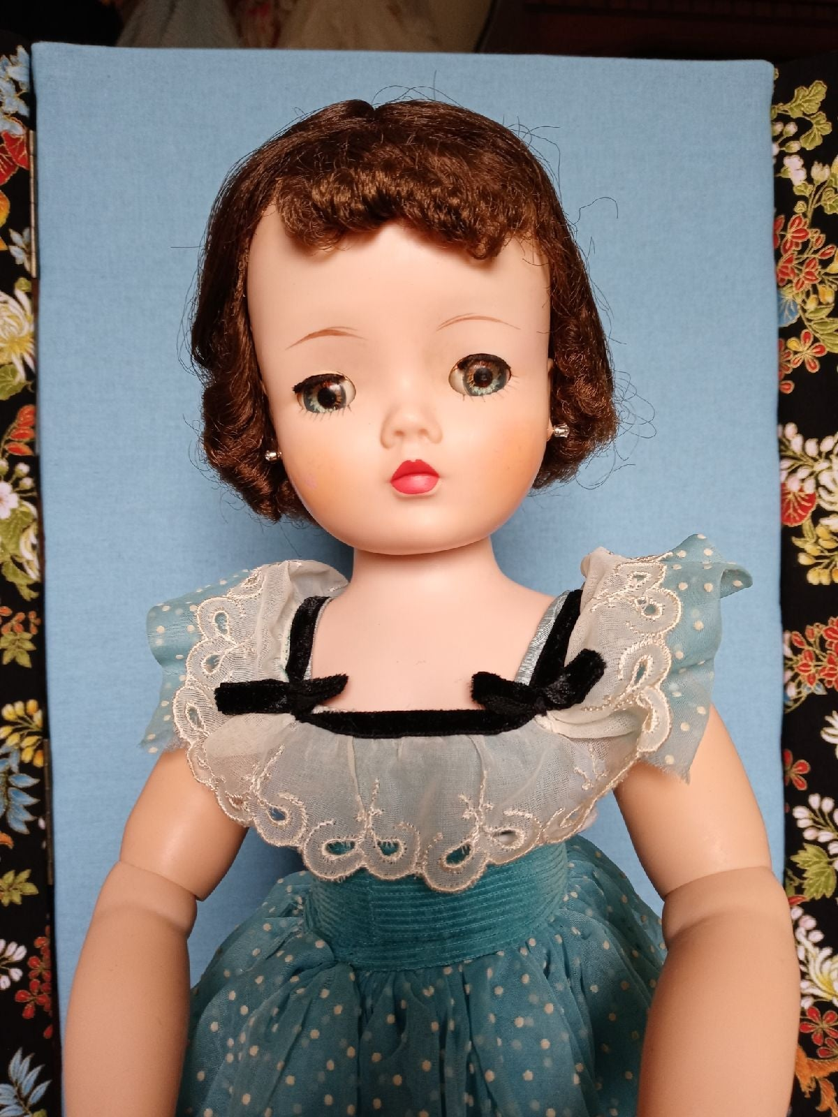 Madame Alexander Cissy doll 1950's