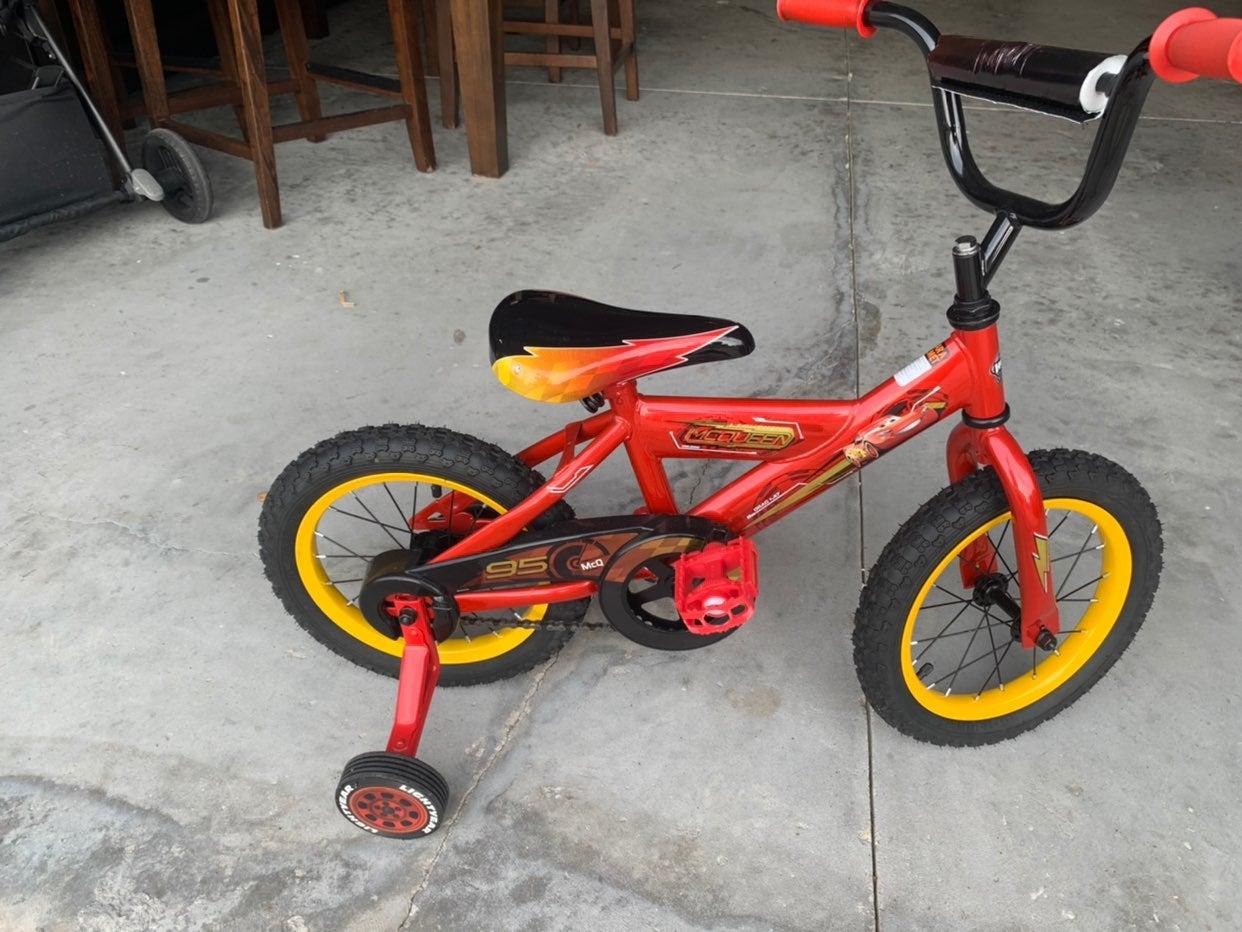 Disney cars macqueen bike