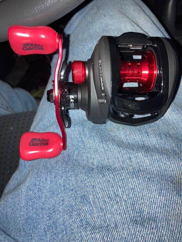 Abu Garcia fushing reel . One of america