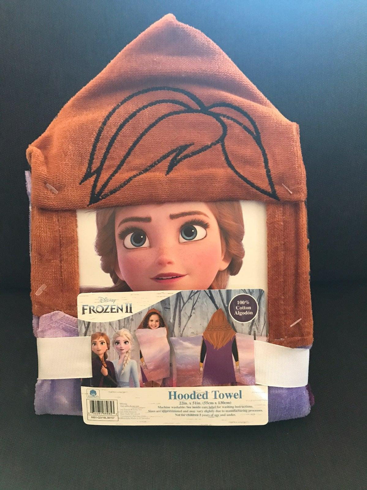 Frozen 2 hooded towel (NWT)