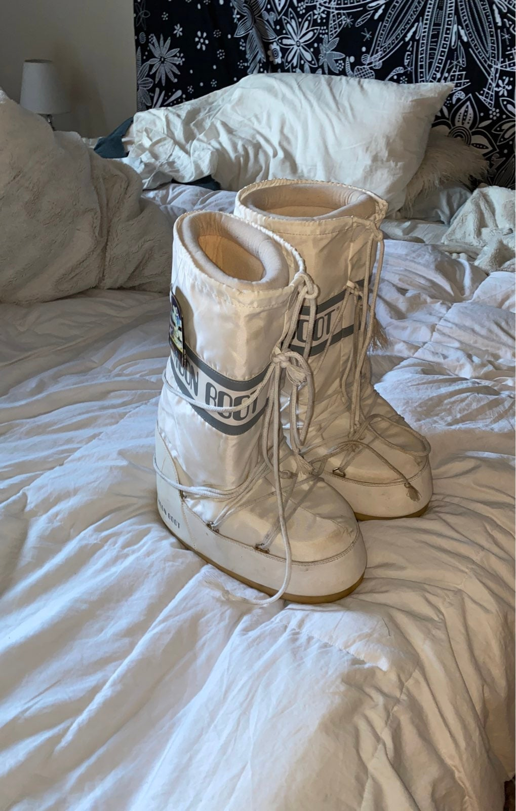 Moon boots size 42/44 white