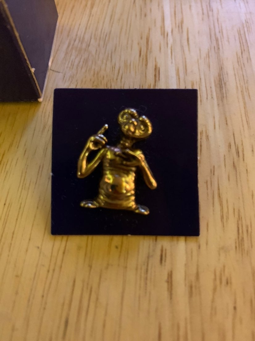 E.T. Pin Brooch Avon Tie Tac 1980s Movie