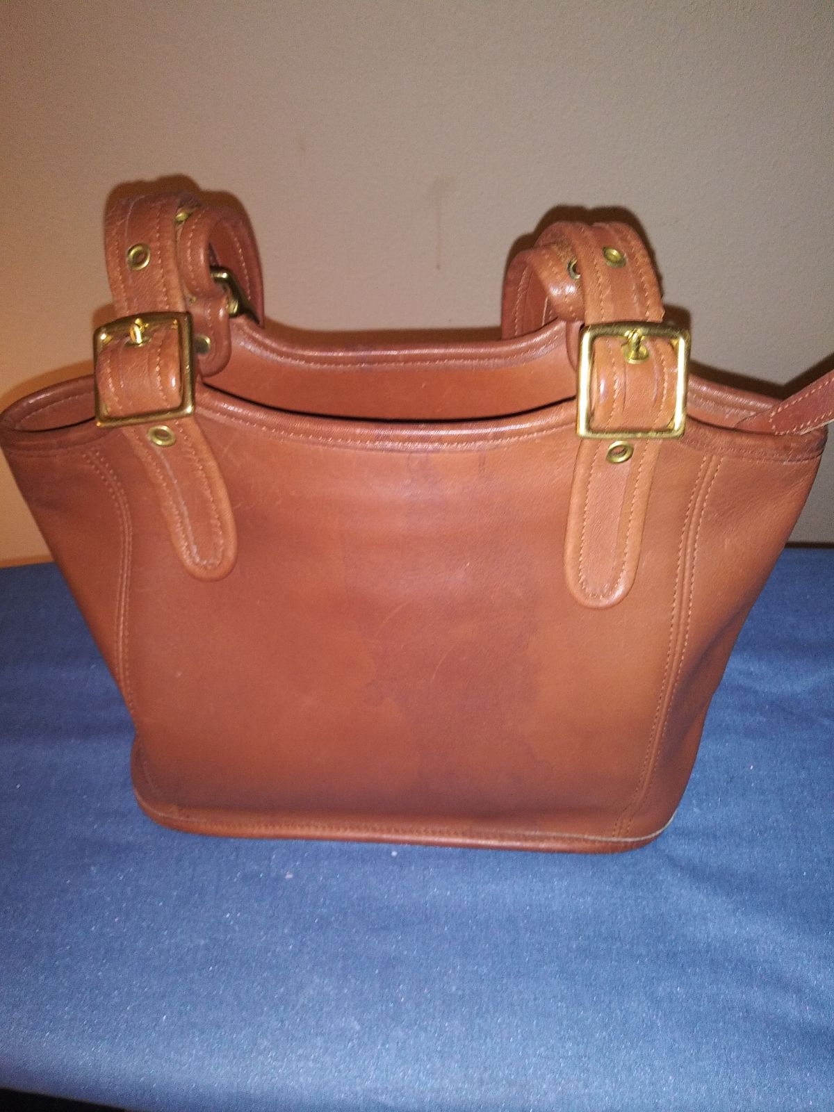 Coach Legacy handbag 9086