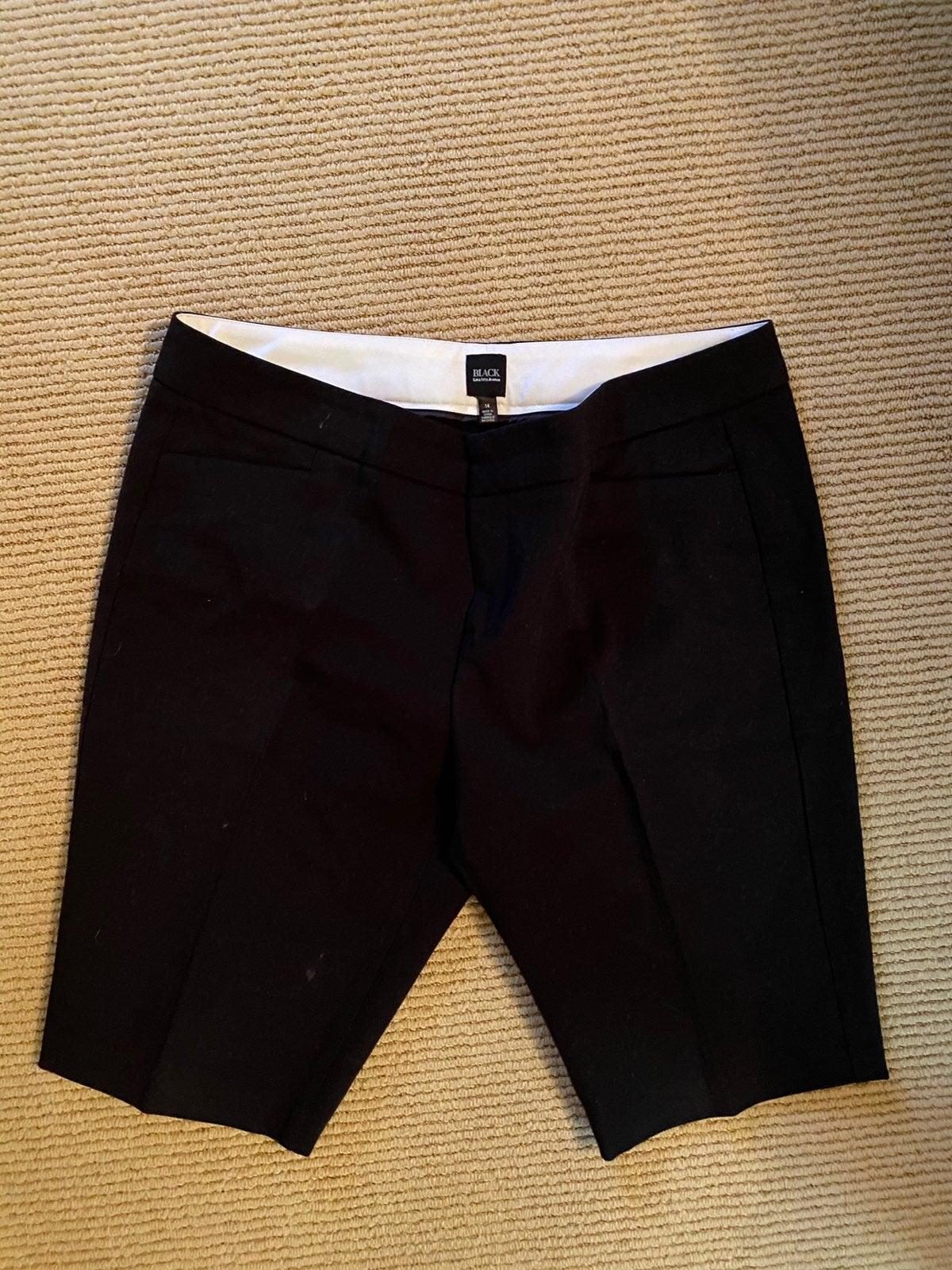 Saks fifth avenue size 14 shorts