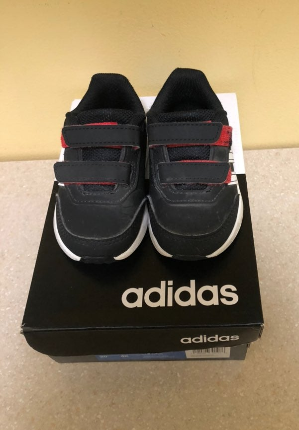 Adidas VS SWITCH2CMF baby shoes