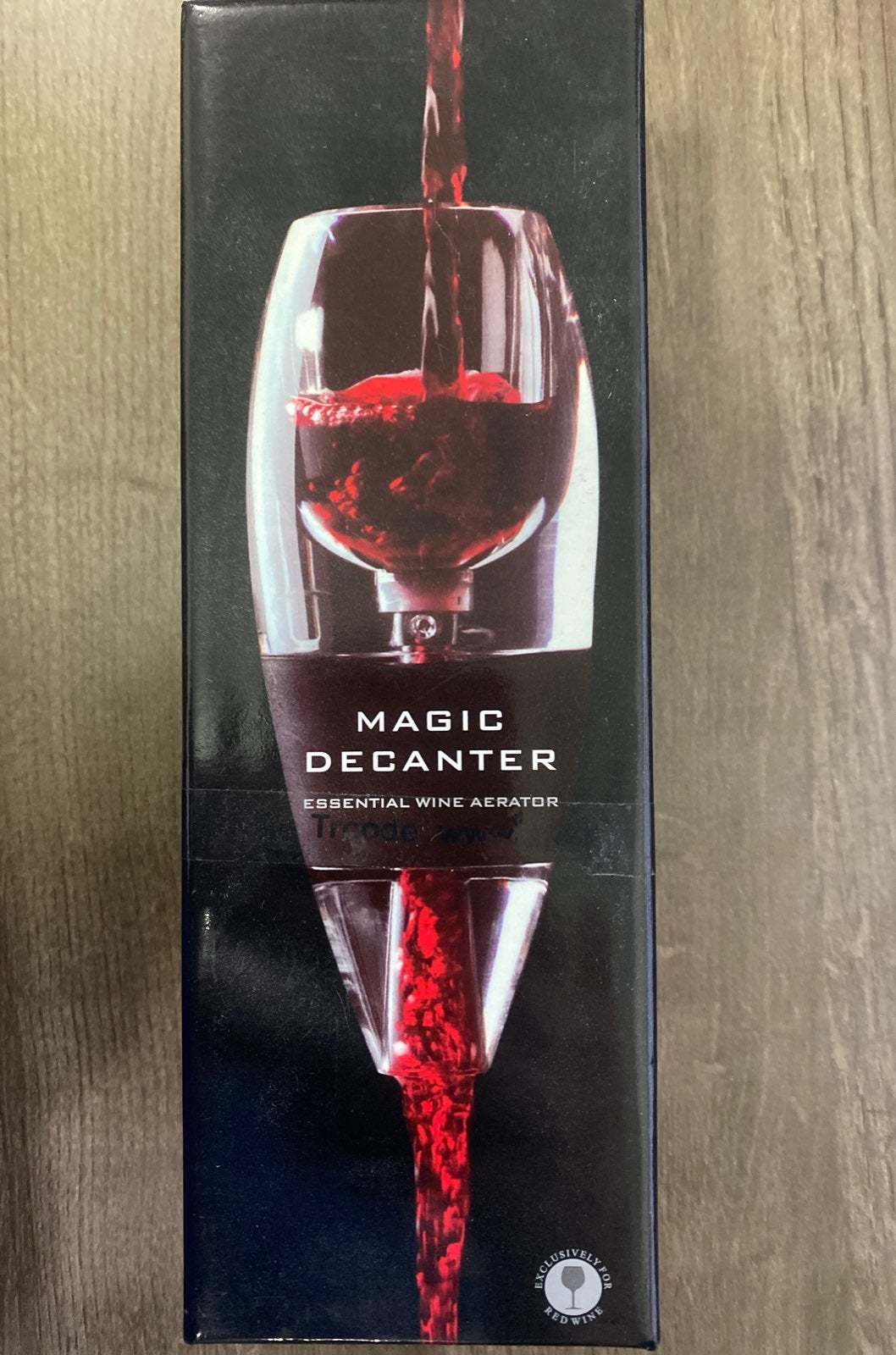 Wine Aerator with a Vacuum Wine Stopper