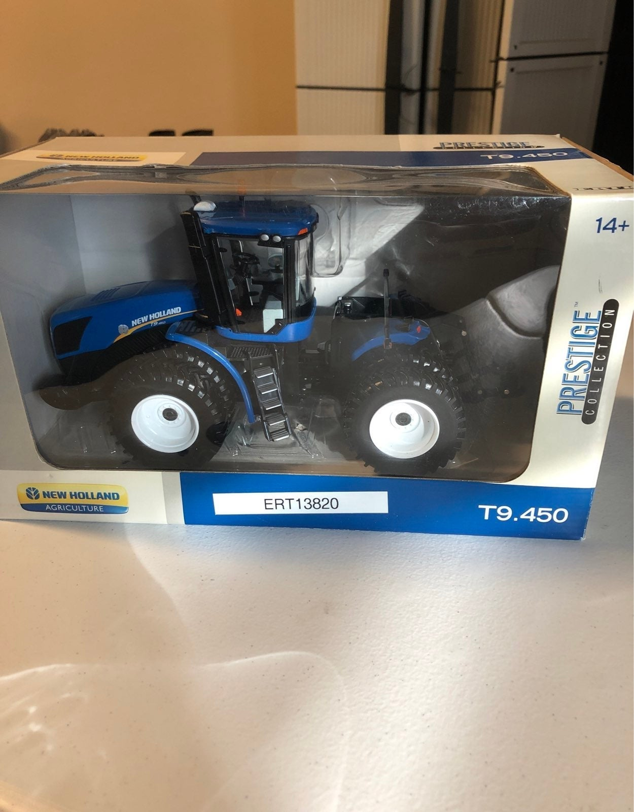 New holland t9.450 1:32 scale