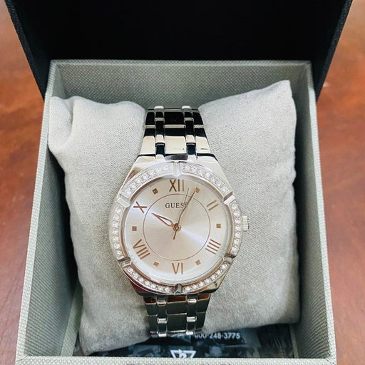 Ladies Guess Watch stainless steel silve