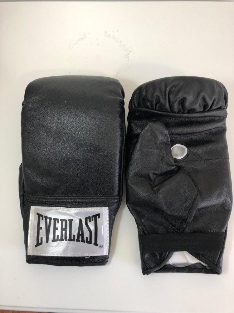 Everlast boxing gloves size Large