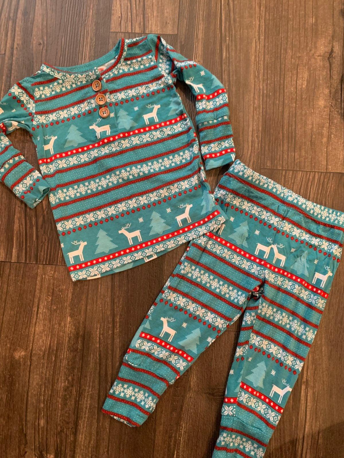 Posh Peanut Sebastian 2 Piece Pajamas