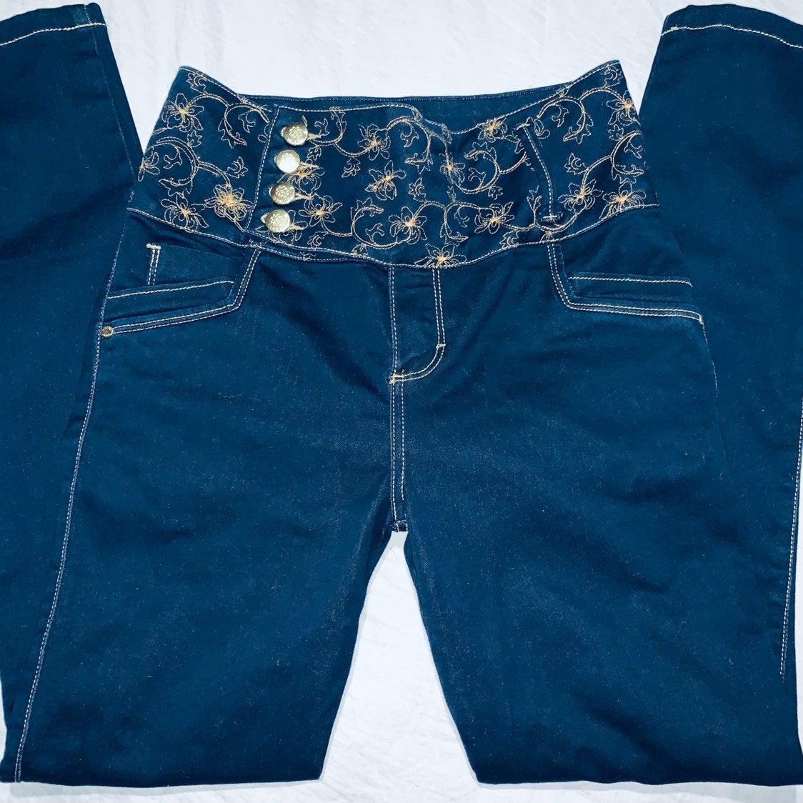 Culumbian butt lifting jeans