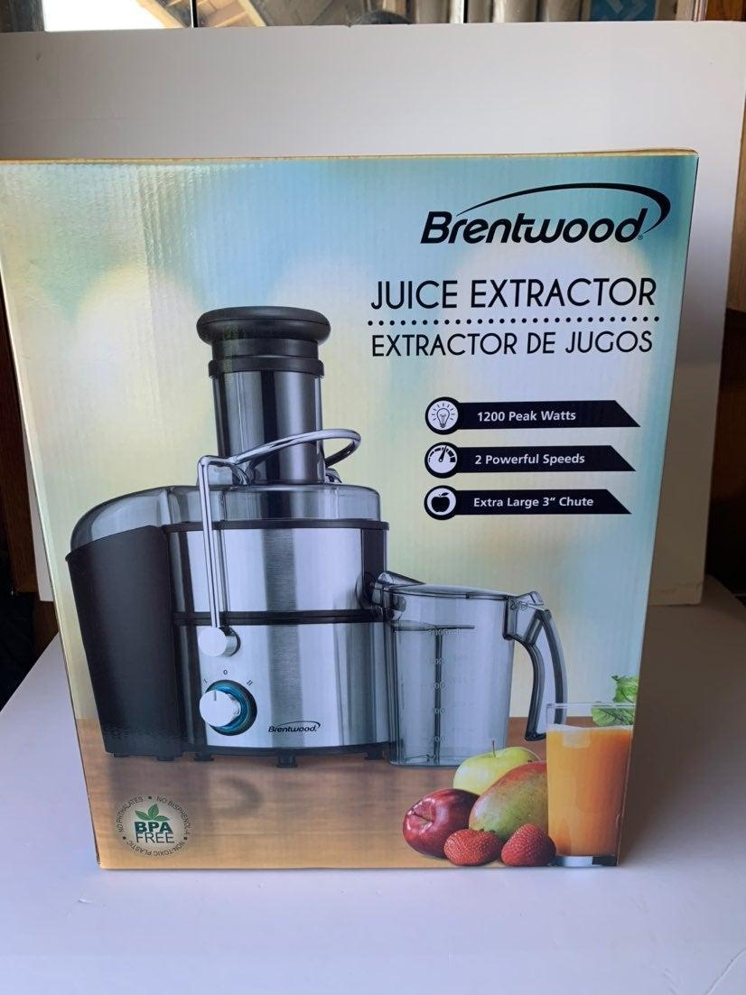 Juice Extractor with Graduated Jar