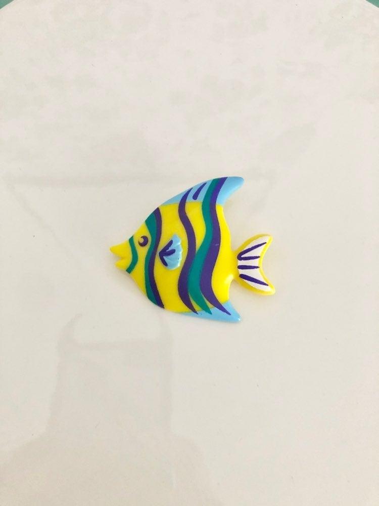Avon 1991 Vintage Yellow Fish Pin