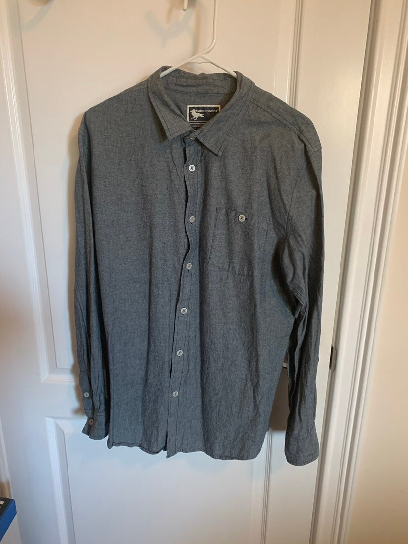 Modern Amusement buttondown XL