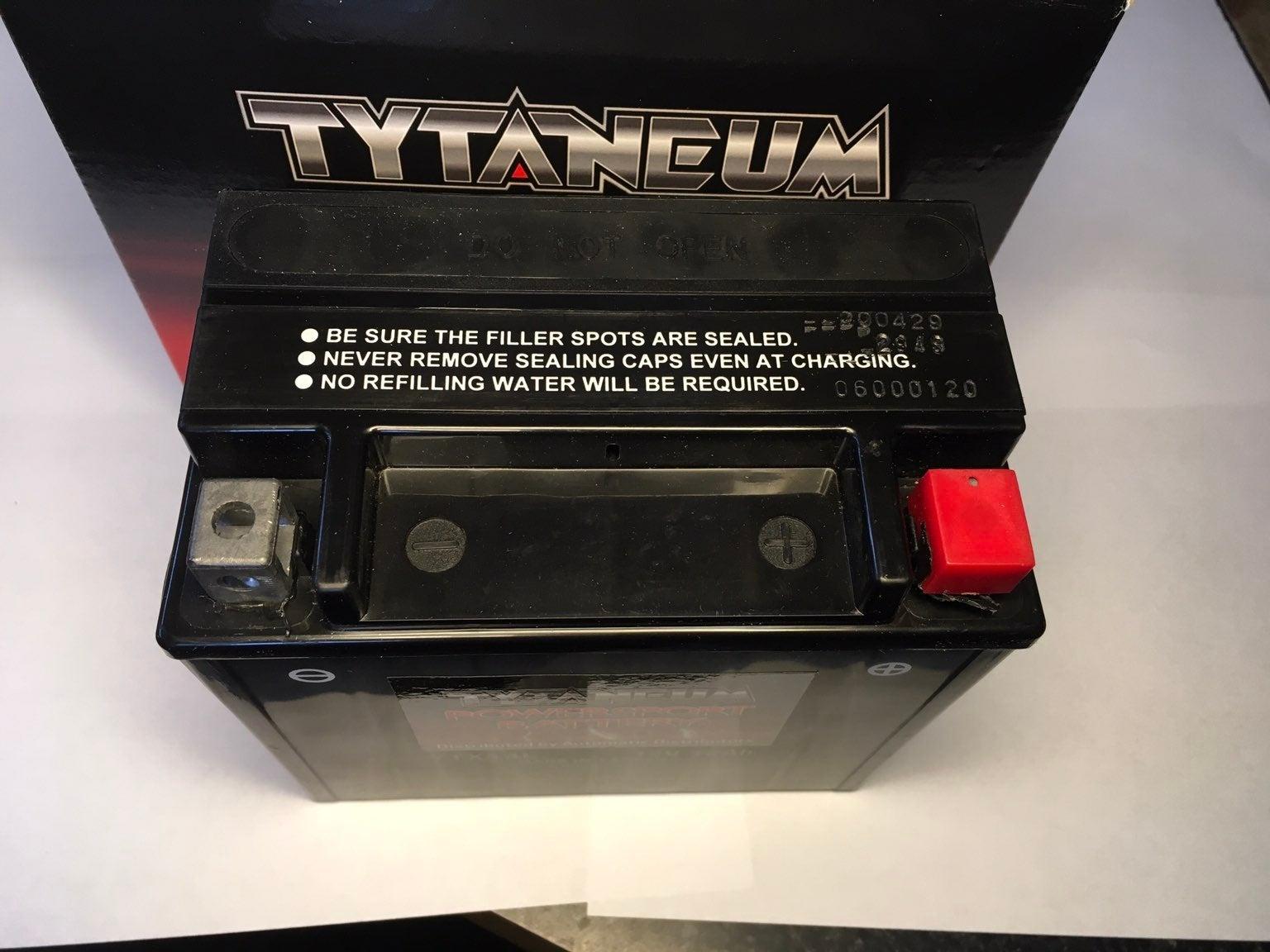 Harley sportster 1200 YTX14L-BS battery