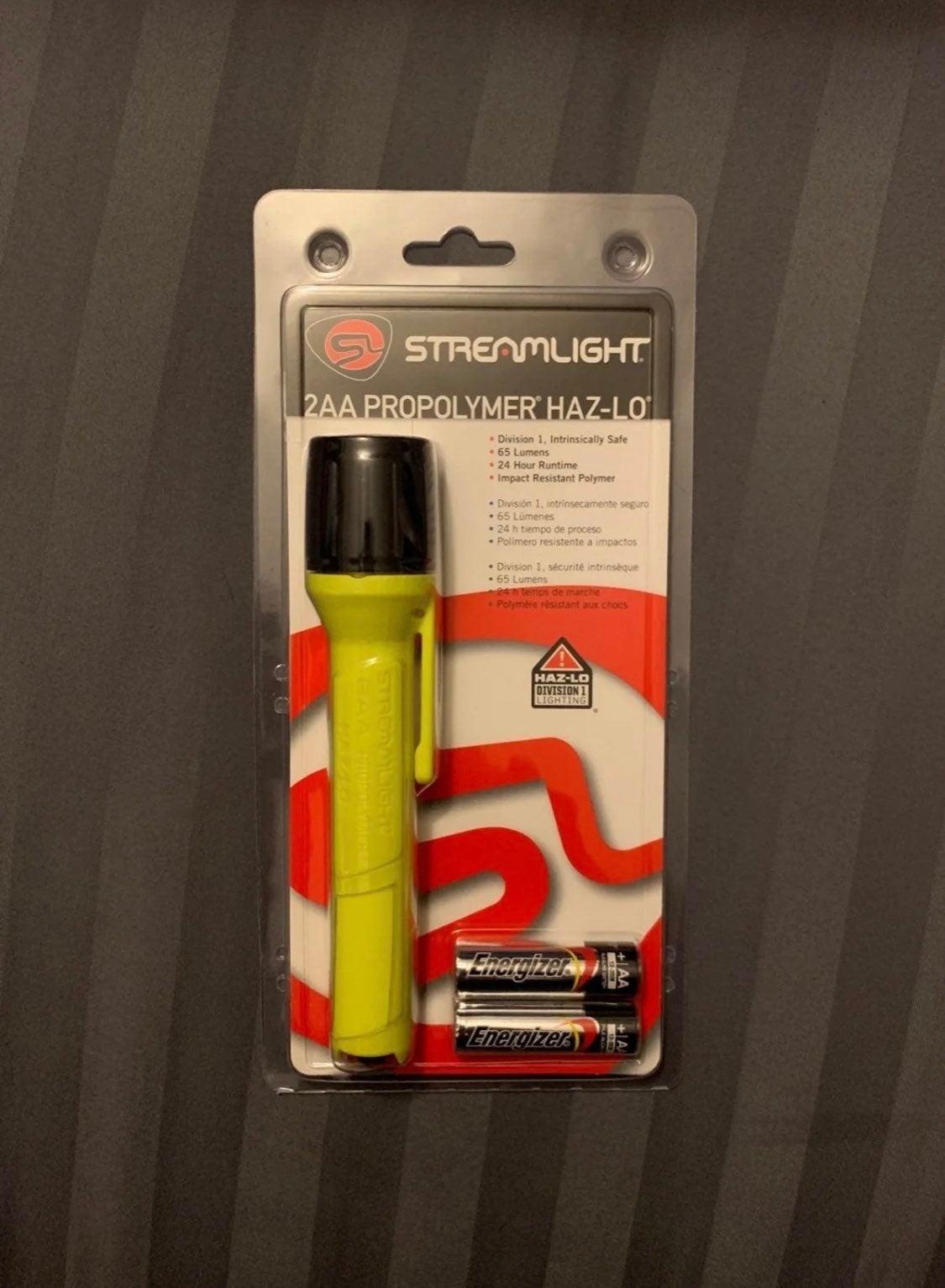 StreamLight Flashlight NEW