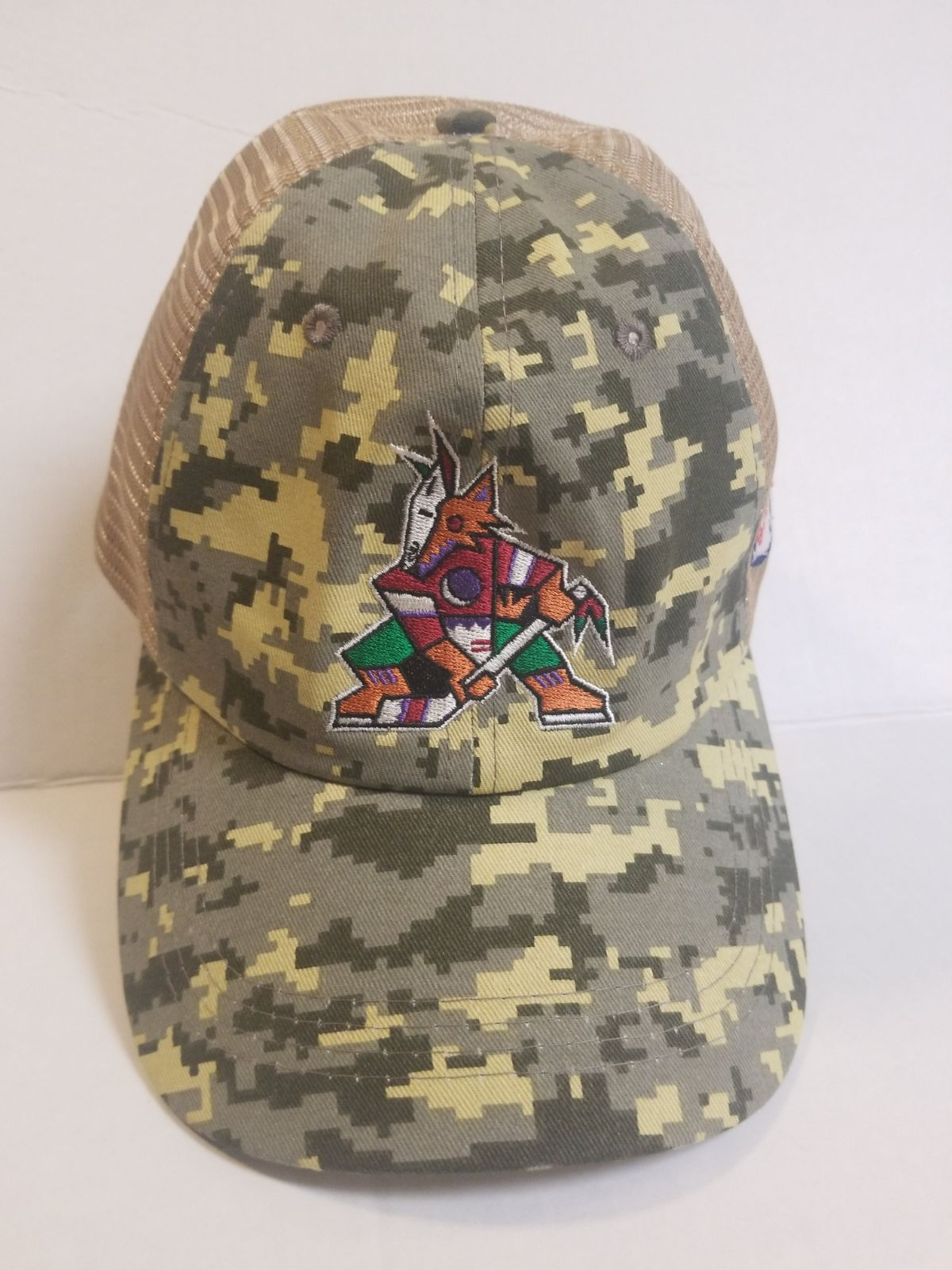 Phoenix Coyotes vintage logo camo hat