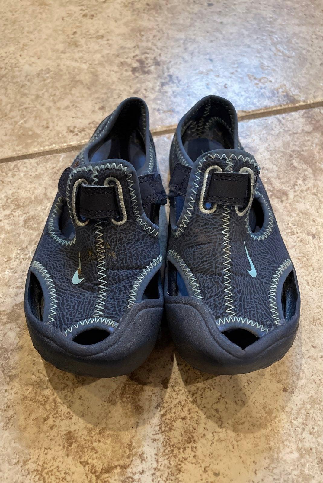 Nike toddler water shoes