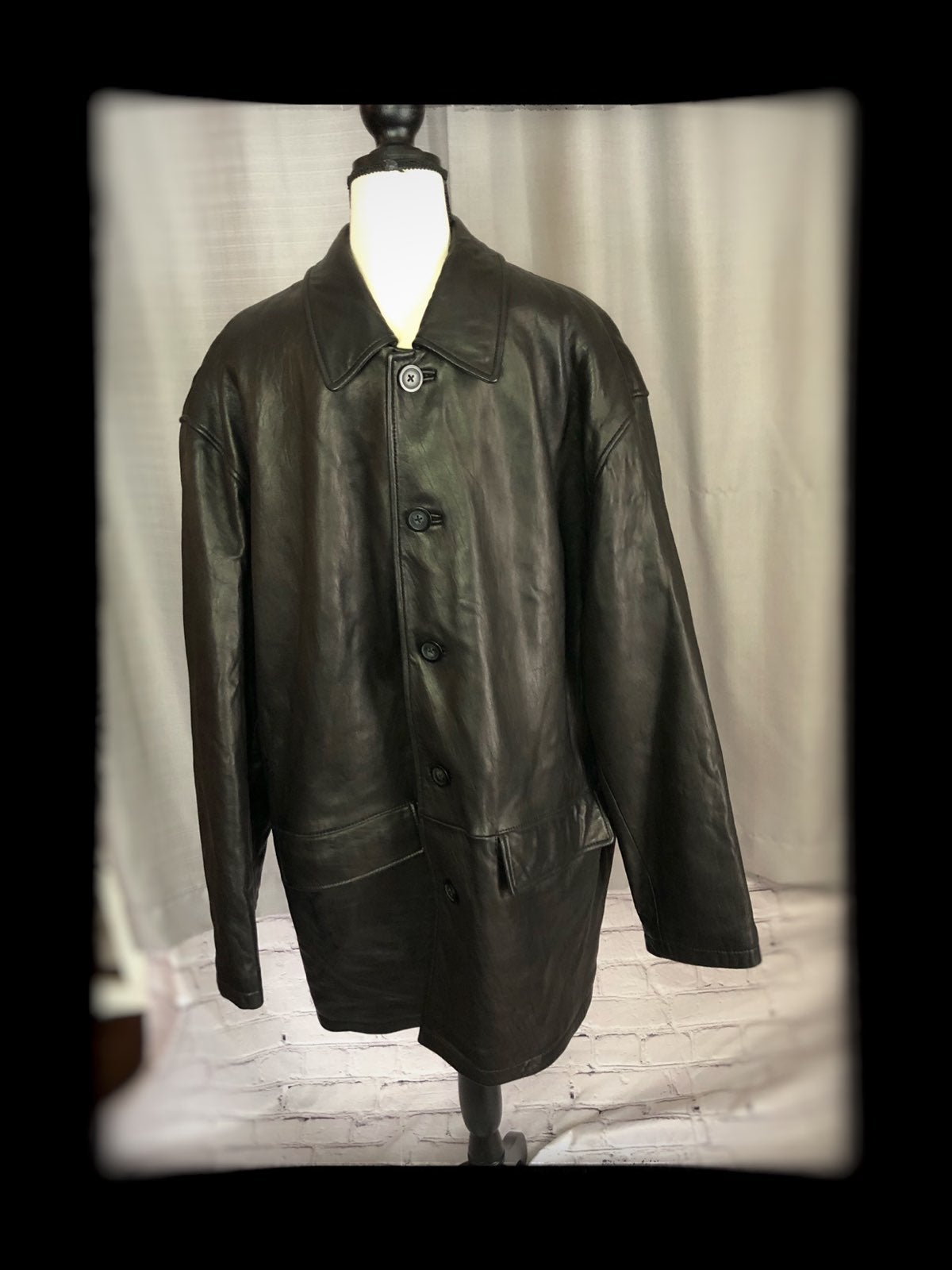 Roundtree & Yourke black lambskin jacket