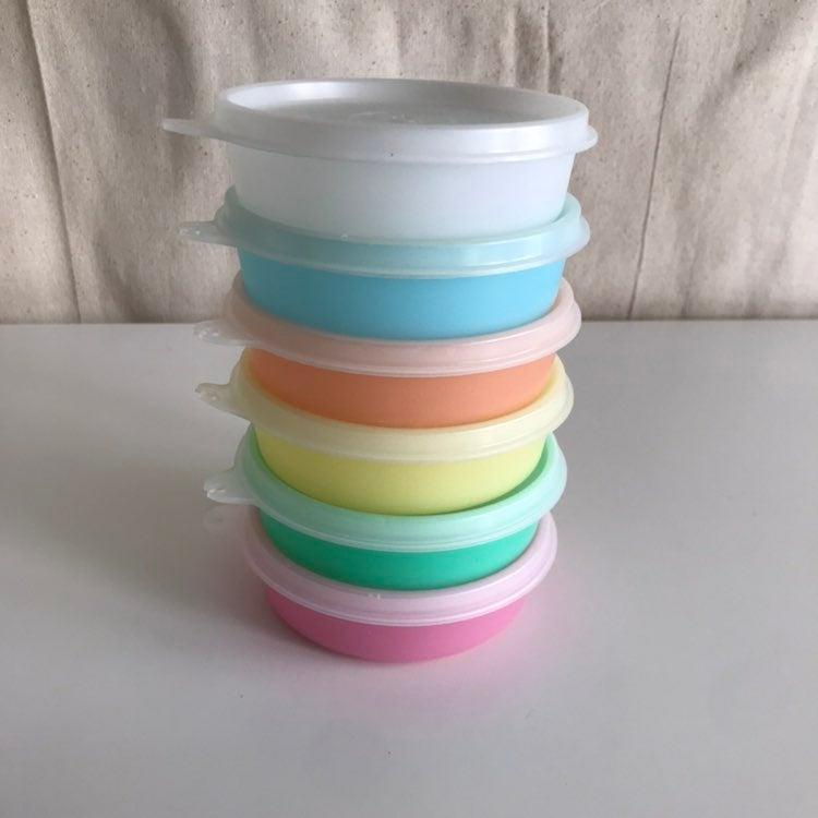 Set of 6 mini Tupperware bowls