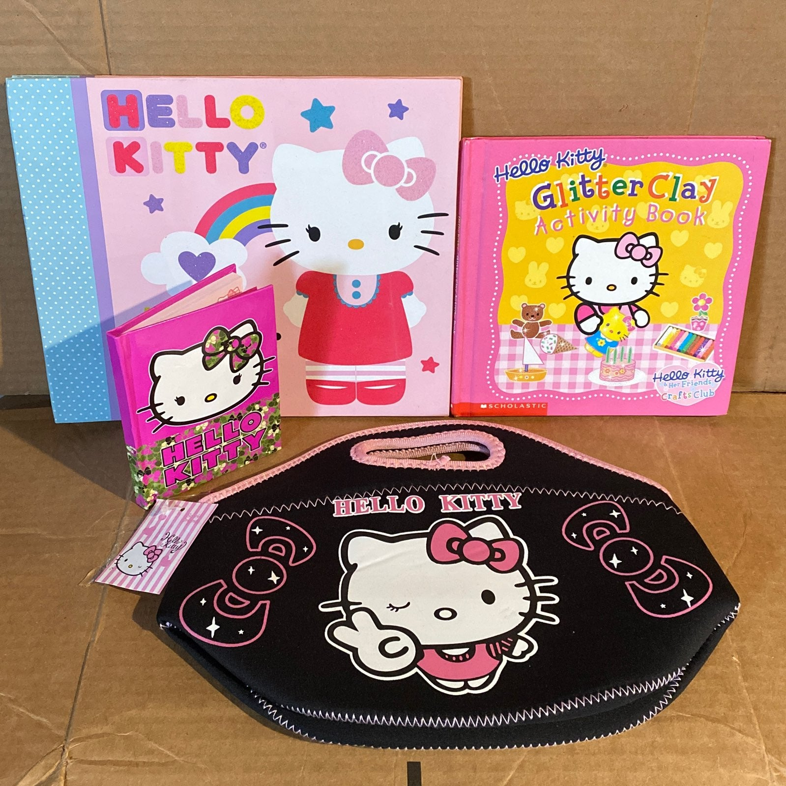 Hello Kitty Lot Lunch Bag Books
