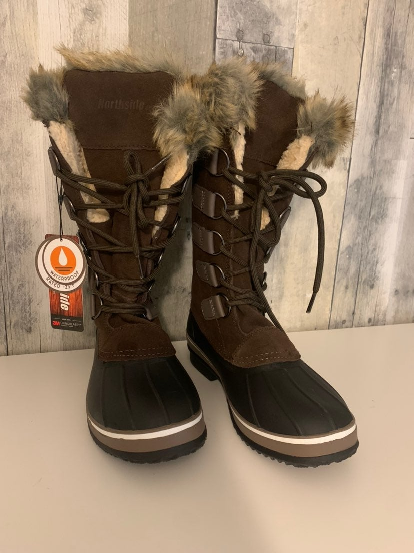 Womens snow boots size 6