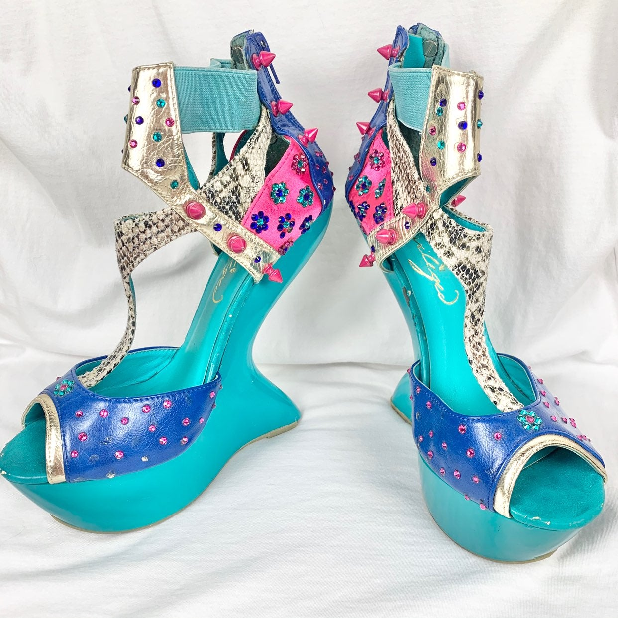 Priviliged Blithe Colorblock Heel Less