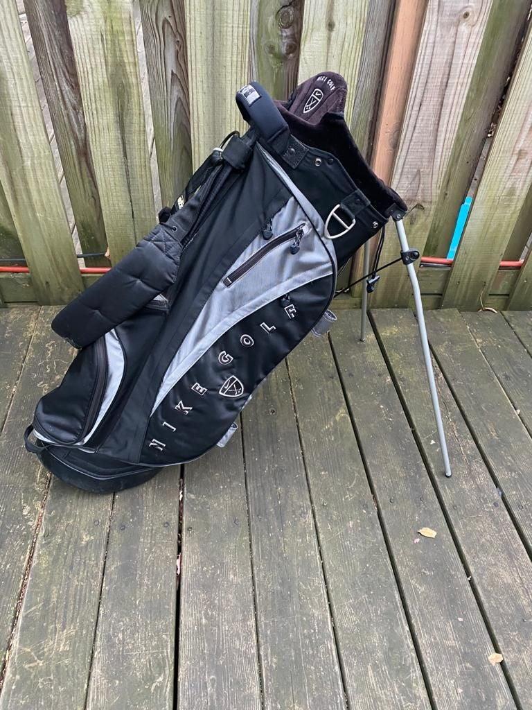 Nike Stand Golf Bag Used