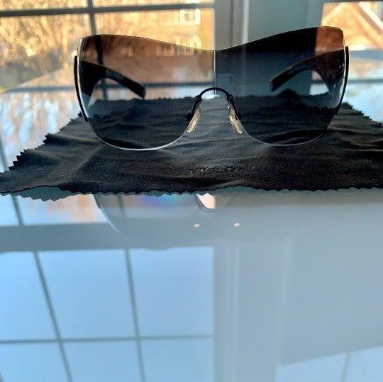 Prada Sunglasses (Style SPR 04I 3M1)