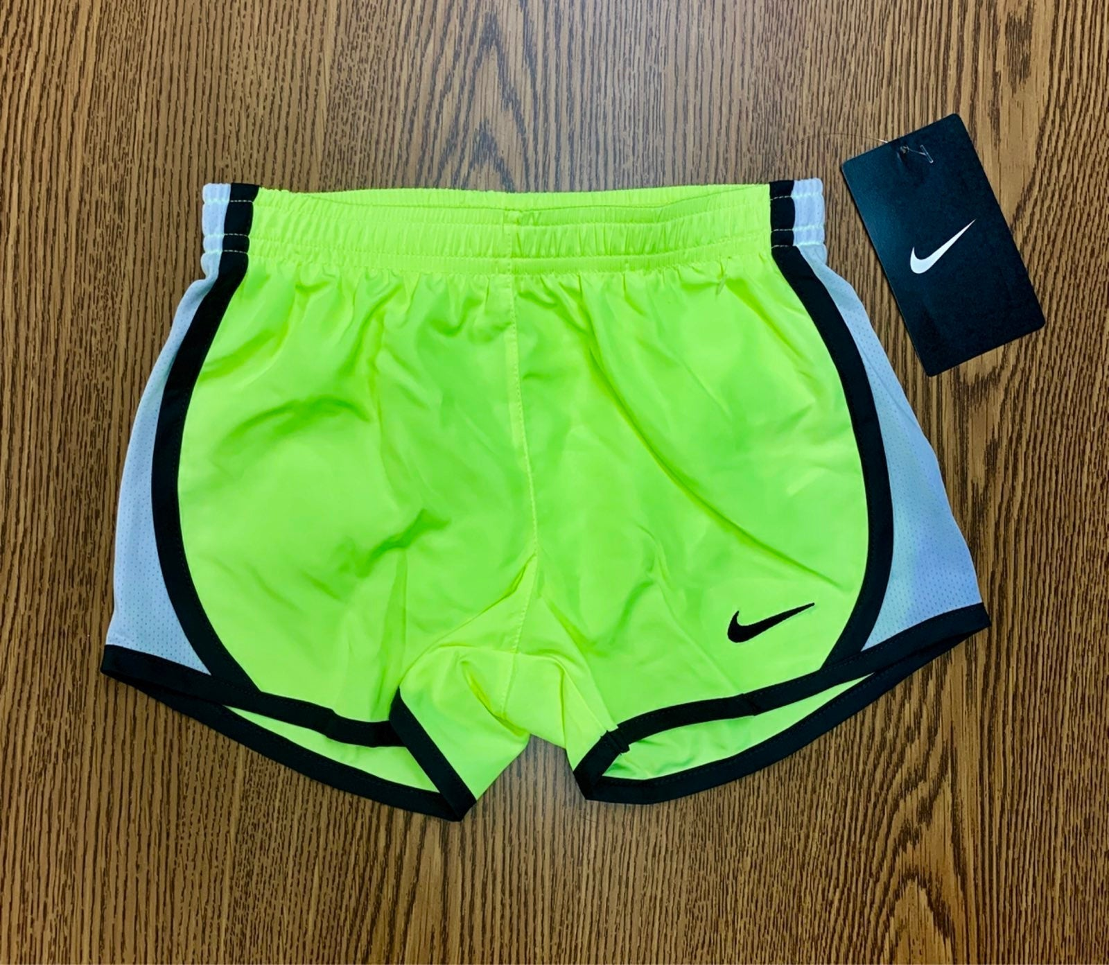 Nike Dri-Fit Girls Shorts Sz 4 NWT