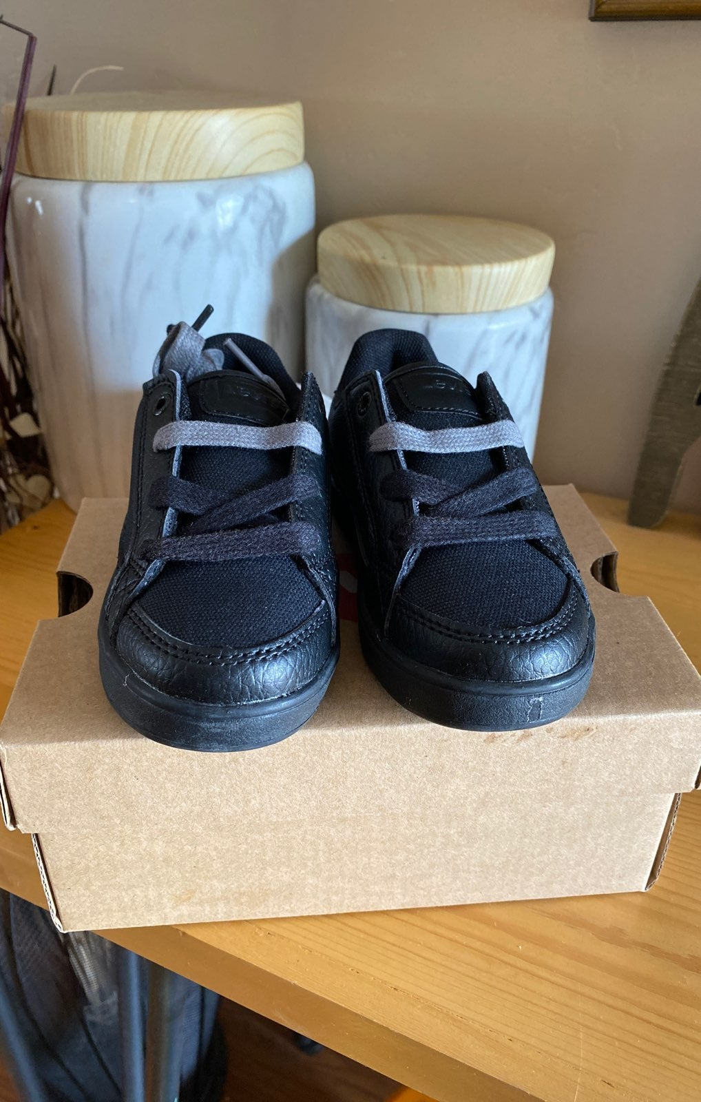 Levis black shoes boys 8