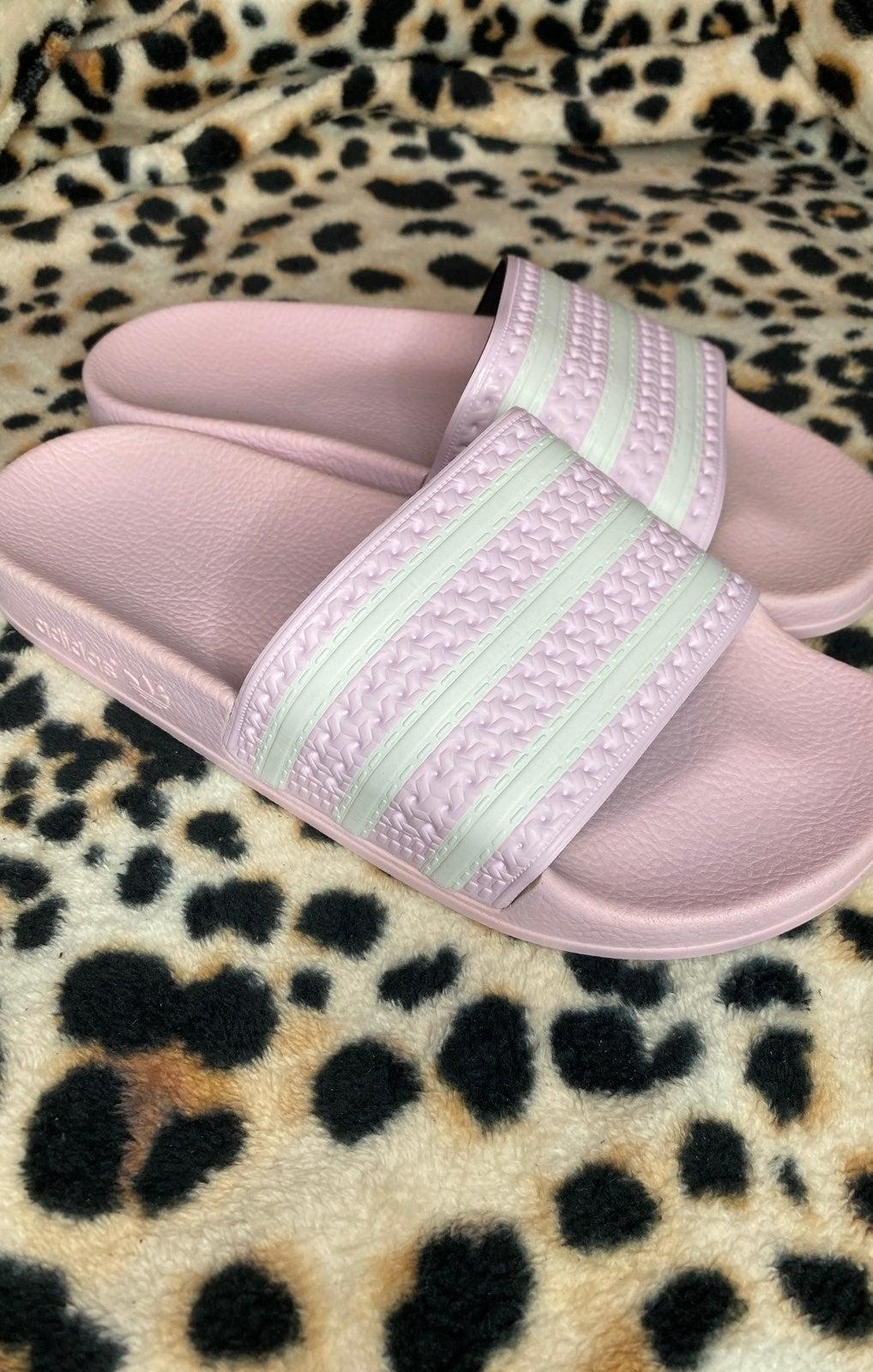 Adidas adilette boy size sandals
