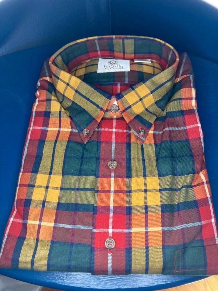 NWT mens Yiyella XL shirt