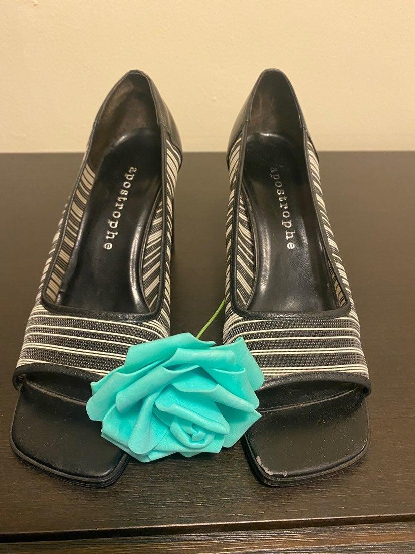 Apostrophe shoes