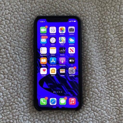 iPhone XS Space Gray 64 gigabytes Unlock